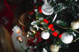 kaboompics_Various Christmas Balls